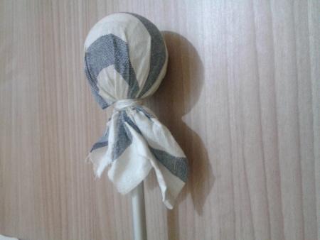 Poggiapolso - Rivestire sfera con straccio